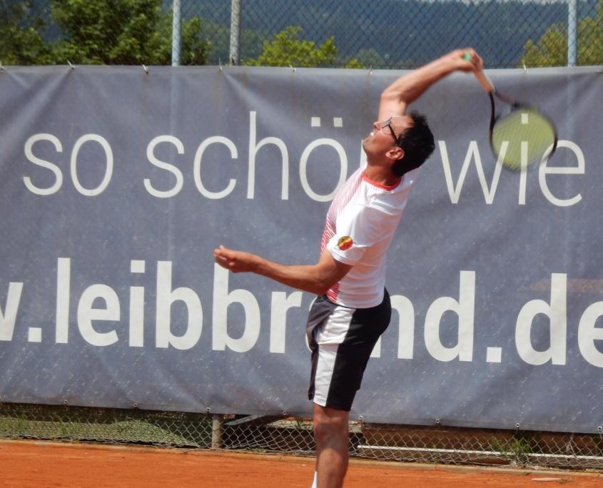 Alexander Bantel Tennistraining Aufschlag